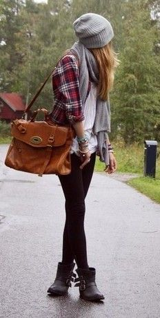Black jeggings/leggings + White shirt + Plaid shirt