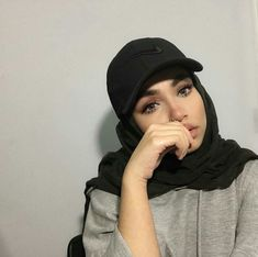 This photo tell that it dosn't matter if you are a muslim girl you can't follow fashion and be a cool girl❤
