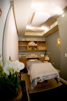 Treatment Room at La Bonne Vie Spa.  Dolphin Bay Resort & Spa, Pismo Beach, CA.