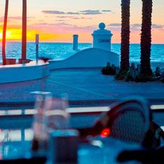 DINE under blue skies or moonlight in a relaxed, casual setting where music and laughter fill the air DELIGHT in a thoughtful menu of Italian dishes and an impressive selection of old & new world wines DISCOVER a new dining destination, and take a culinary vacation, in your own backyard  Located in the heart of Fort Lauderdale Beach, Spazio Italian Restaurant and Wine Lounge offers a touch of glamour in a casual-chic setting, attracting locals and visitors alike.