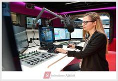 Profesyonel sesler ile #radyoreklamseslendirme hizmeti http://seslendirmeajansi.com/reklam_seslendirme veya #02163447753 'lu Numaradan Bizimle İletişime Geçebilirsiniz