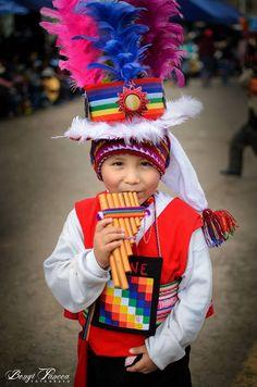 La música no tiene edad y puede ser expresada con tanta ternura... Puno - Perú!