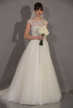 Theia Strapless Chiffon mermaid Wedding Gown Size 8 1 NEW Wedding Dress Gallery, Wedding Dresses Photos, Modest Wedding Dresses, Wedding Dress Styles, Wedding Gown Sizes, Bridal Gowns, White Wedding Gowns, Wedding Bride, Post Wedding