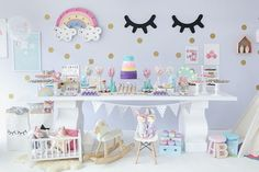 festa infantil doces sonhos em tons candy color com decoração de quarto de bebê.