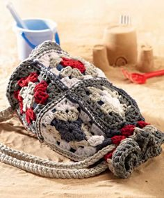 Free Crochet Pattern for a Granny Square Beach Bag