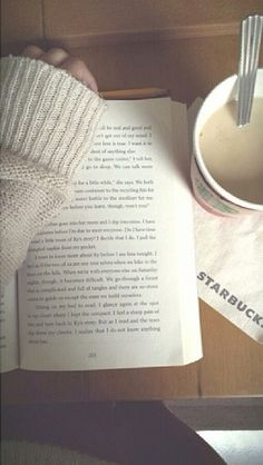 books // bookaholic // reading // coffee