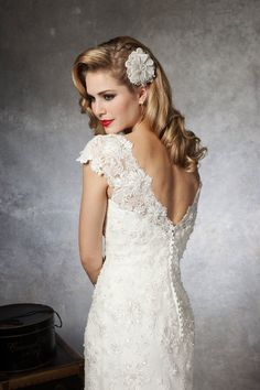 Formal Modern Romantic Shabby Chic White Beading Cap Sleeve Floor Justin Alexander Lace Mermaid/Trumpet Natural Organza Spring Summer V-neck Wedding Dresses Photos & Pictures - WeddingWire.com