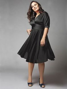 Vestidos que ajudam a disfarçar a barriga- Dicas e Modelos Casino Costumes, Casino Decorations, Casino Outfit, Themed Outfits, Shoes With Jeans, Jean Outfits, Ideias Fashion, Plus Size, Formal