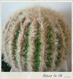 le monde entier est un cactus - pimp ta life Cactus En Crochet, Knit Crochet, Cactus Y Suculentas, Diy And Crafts, Herbs, Knitting, Mosaics, Projects, Tutorials