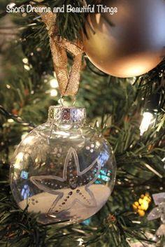 DIY Coastal Christmas Decorations www.coastalshorecreations.com