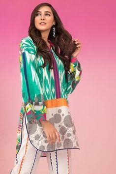 Sapphire Lawn Volume - I 2019 Simple Pakistani Dresses, Pakistani Fashion Casual, Pakistani Dress Design, Pakistani Outfits, Simple Shirt Design, Shirt Design For Girls, Stylish Dress Book, Stylish Dress Designs, Beautiful Casual Dresses
