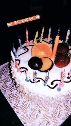 22nd Birthday Cakes, Bithday Cake, Birthday Poems, Happy Birthday Quotes, Birthday Wishes, Happy Birthday Chocolate Cake, Birthday Chocolates, Food Snapchat, Birthday Pictures