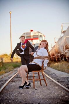 Junggesellenabschied Do you want your engagement photos to be the best? You can do that by incorpora Funny Engagement Photos, Engagement Humor, Engagement Couple, Wedding Engagement, Engagement Ideas, Country Engagement, Wedding Fotos, Trendy Wedding, Wedding Pictures
