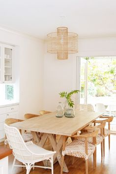 California Eclectic Dining Room SILLAS DE COMEDOR