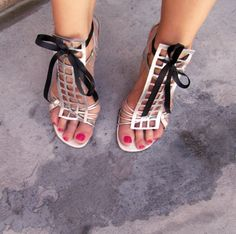 silver+sandals+diy+shoes