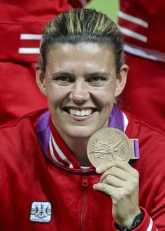 Olympic bronze medallist (soccer) Christine Sinclair will be Canada's flag bearer for the Closing Ceremony of the London Olympic Games Soccer League, Soccer Players, Football Team, Canada Soccer, London Olympic Games, International Soccer, Sports Personality, Girls Soccer, Tennis Stars