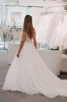 Das richtige Brautkleid finden Formal Dresses, Wedding Dresses, Weddings, Inspiration, Fashion, Fashion Styles, Dressmaking, Beautiful Dresses, Bridle Dress