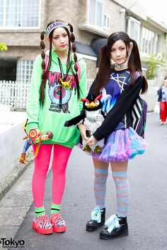 RT @Tokyo Fashion: Fun Japanese sisters with twintails hairstyles, 6%DOKIDOKI, unicorn & Toy Story! http://flip.it/ZKaje