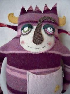 Monster Stuffed Animal Pink Striped Wool Sweater par sweetpoppycat, $50,00