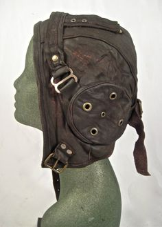 Steampunk aviator hat flight cap tank gir leather distressed by Renegadeicon For Rose. Steampunk Accessories, Steampunk Clothing, Steampunk Fashion, Bag Accessories, Steampunk Pirate, Steampunk Costume, Chica Punk, Aviator Hat, The Little Prince