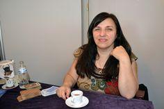 Farzaneh spår i kaffe!