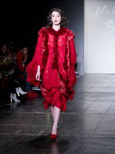 Paris-based Japanese fashion designer Hakuyo Miya is back to New York Fashion Week to showcase his new collection for Spring-Summer desig Fashion Events, Fashion News, Japanese Fashion Designers, School Fashion, Spring Summer, Paris, Search, Blog, Collection
