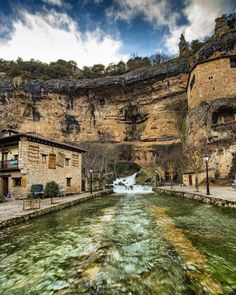 Cueva del Agua, ORBANEJA DEL CASTILLO (Burgos) Places To Travel, Places To See, Wonderful Places, Beautiful Places, Travel Around The World, Around The Worlds, World Photo, Secret Places, Spain Travel
