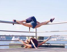 splits over splits 💙 Flexibility Dance, Gymnastics Flexibility, Acrobatic Gymnastics, Gymnastics Tricks, Gymnastics Workout, Gymnastics Pictures, Dance Picture Poses, Dance Poses, Dance Pictures