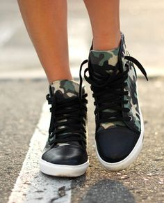 Jessica from Hapa  Time in the Army Brat Sneakers (http://www.nastygal.com/product/army-brat-sneaker/_/searchString/army%20brat) #ShoeCult