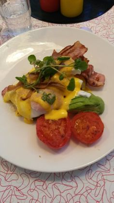 Eggs beni on chiabata + bacon avo and roasted tomato. From deluxe diner newplymouth 9/10