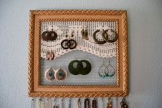 jewelry organizer-Jewelry Display - Jewelry Organizer - Frames /  de la boda Cuadros /  Chic Frames / Adornos de Pared / Home Decor