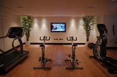 People usually don't bother with their home gym interior design. Although if this room will be comfy and beautiful it can inspire you to better workouts. Gym Room At Home, Workout Room Home, Workout Rooms, Exercise Rooms, D House, Cozy House, Home Gym Design, House Design, Garden Design