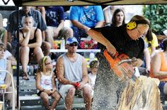 Dave Watson Carving at Winona County Fair in Minnesota for crowd. Dave Watson, Wisconsin Dells, Chainsaw Carvings, County Fair, Statues, Minnesota, Crowd, Image, Effigy
