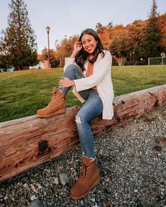 BEARPAW Krista boots in Hickory