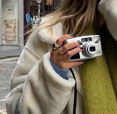 Summer Aesthetic, Aesthetic Photo, Aesthetic Pictures, Photography Aesthetic, Aesthetic Vintage, Fashion Photography, Look Girl, Teenage Dream, Mode Vintage