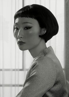 Portrait Shenzhen (from the series: 'Waiting'), 2014 (Erwin Olaf), Courtesy… Erwin Olaf, Photo Trop Belle, Face Drawing Reference, Anatomy Reference, Photographie Portrait Inspiration, Face Photography, Asian Photography, Photography Portraits, Poses References