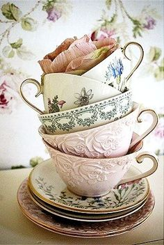 Vintage tea cups - If I had these on every table for a tea/coffee service after dinner... I would be QUITE happy. Time to troll the thrift stores.