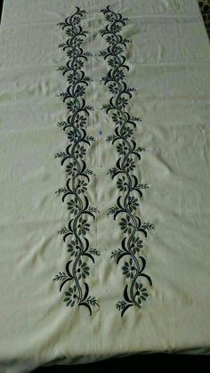 Zardosi Embroidery, Embroidery On Kurtis, Kurti Embroidery Design, Hand Embroidery Flowers, Embroidery On Clothes, Hand Work Embroidery, Hand Embroidery Stitches, Machine Embroidery Patterns, Embroidery Fashion