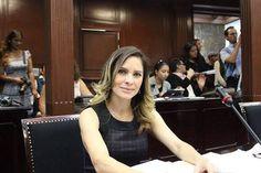 A propuesta de la diputada del PRD se etiquetaron 100 millones de pesos más para el Poder Judicial, por lo que su presupuesto de Egresos para el 2016, será de ...