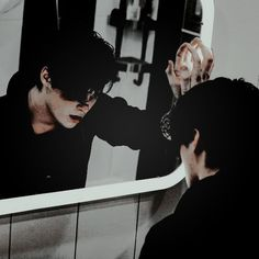 '' curious is the fact that all Black loves and hates a mirror - but at all times, they see a monster. Bad Boy Aesthetic, Book Aesthetic, Character Aesthetic, Aesthetic Pictures, Barbeau, Ai No Kusabi, Wow Photo, Photographie Portrait Inspiration, Sombre