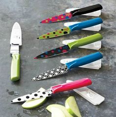 Nifty Kitchen Gadgets.  Love these knives.