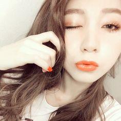 この画像は「女が見惚れるおしゃオーラ。オレンジメイクで大人の色気むんっ」のまとめの13枚目の画像です。