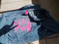 Jaqueta jeans customizada, girl power