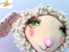Ovelha - Bééé Néia , nossa primeira ovelha do rebanho. Criação e execução; Lígia Mattos