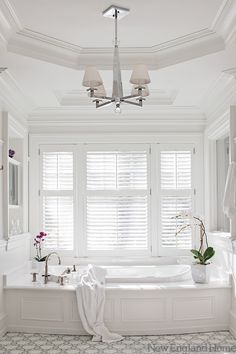 New England Home: Jan Gleysteen - Stunning bathroom design featuring an octagonal recessed ceiling .with a claw foot bath Home, Bathroom Inspiration, Bathroom Decor, Beautiful Bathrooms, New England Homes, Chandelier Design, Bathroom Chandelier, White Bathroom, Bathroom Design