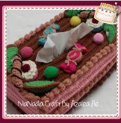Crochet Tissue Box Cover  Instagram@nianadia_craft