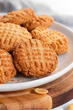 Gluten Free Peanut Butter Cookies, Almond Flour Cookies, Baking With Almond Flour, Healthy Peanut Butter, Baking Flour, Gluten Free Cakes, Healthy Cookies, Gluten Free Baking, Healthy Veggie Snacks
