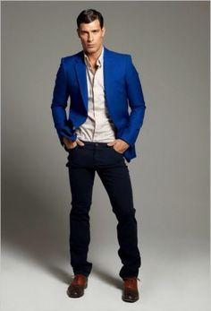 Resultado de imagem para ways to wear a blue blazer men Sharp Dressed Man, Well Dressed Men, Royal Blue Blazers, Look Man, Gentleman Style, Sport Coat, Swagg, Mens Fashion, Fashion Trends