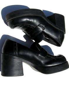 These were my school shoes!! Vintage 90's 1990's Nineties Women Teen Grunge Goth by DelaEpoca, $21.99