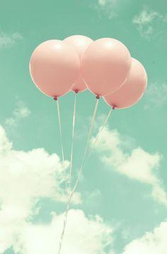 Baloons line deco wallpaper